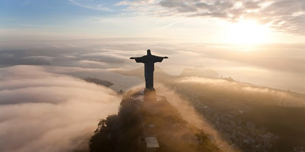 feature-Christ-the-redeemer-statue-rio-de-janeiro-attractions-sightseeing-in-rio-de-janeiro