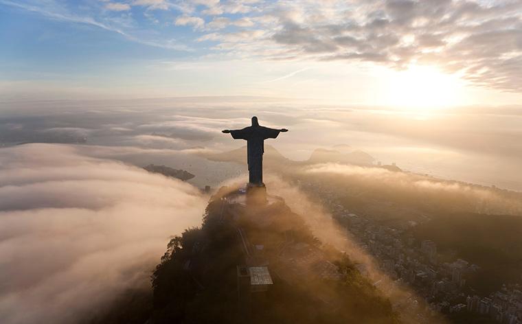 feature-Christ-the-redeemer-statue-rio-de-janeiro-attractions-sightseeing-in-rio-de-janeiro
